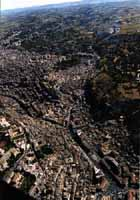 Panorama Aereo di Modica - Corso Umberto I  - Modica (2037 clic)