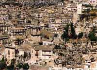 Panorama del Castello e delle case arroccate sulla roccia MODICA Comune di Modica