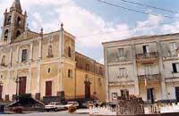 Veduta della Chiesa Madre e Municipio  - Aci bonaccorsi (11345 clic)