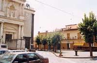 Piazza IV Novembre  - Aci platani (6890 clic)