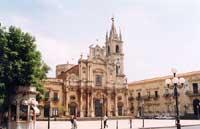 Chiesa dei SS. Pietro e Paolo   - Acireale (2969 clic)