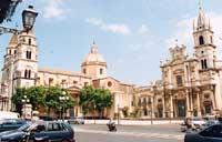 Chiesa dei SS. Pietro e Paolo e il Duomo della SS. Annunziata e Santa Venera  - Acireale (4381 clic)