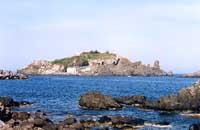 La costa di Acitrezza - ISOLA LACHEA  - Aci trezza (8169 clic)