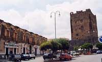 Il Castello Normanno in Piazza Umberto I  - Adrano (5125 clic)