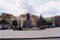 monumento dedicato ai caduti   - Adrano (6690 clic)