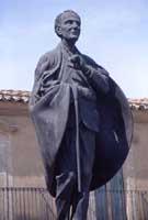 Monumento a Don L. Sturzo in Piazza Marconi CALTAGIRONE Giuseppe Iacono
