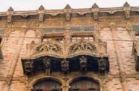 Palazzo delle Magnolie (Via L.Sturzo). Balconata in terracotta dei Vella.  - Caltagirone (2698 clic)