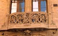 Palazzo delle Magnolie (Via L.Sturzo). Balconata in terracotta dei Vella.  - Caltagirone (4791 clic)