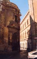 Chiesa di S.Chiara e retro Palazzo dell'Aquila (Municipio)  - Caltagirone (3284 clic)