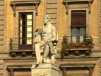 Statua di Vincenzo Bellini in Piazza Stesicoro  - Catania (3018 clic)
