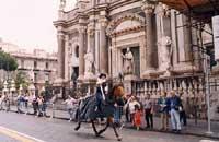 Giostra medievale di fronte alla Cattedrale di Sant'Agata  - Catania (5278 clic)