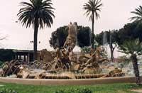 Fontana del Ratto di Proserpina in Piazza Giovanni XXIII (Stazione) - (oppure Fontana dei Cento Cavalli?)  - Catania (10814 clic)