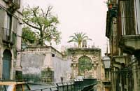 Ingresso della facoltà di Giurisprudenza (Villa del principe di Cerami)  - Catania (2708 clic)
