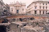 Piazza Stesicoto - anfiteatro romano e Chiesa di San Biagio  - Catania (5196 clic)