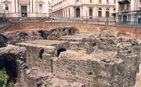 Piazza Stesicoro - resti dell'anfiteatro romano  - Catania (4739 clic)