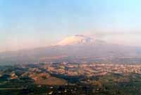Etna vista dalla piana di Catania  - Etna (10615 clic)