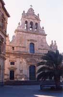 vista della facciata principale della chiesa Madre  - Grammichele (4835 clic)
