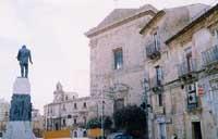 Monumento a Luigi Capuana padre del verismo   - Mineo (5486 clic)