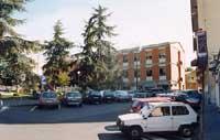 piazzetta del municipio vista dell'edificio comunale  - Nicolosi (4759 clic)