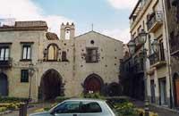 Via Degli Archi e Chiesa di S. Maria Della Volta  - Randazzo (5168 clic)