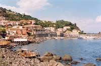 panorama del paese visto dal lungomare  - Santa maria la scala (6759 clic)