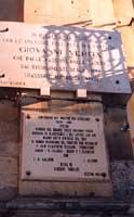 Epigrafi poste sul muro di Casa Verga (P.zza Umberto I)  - Vizzini (6044 clic)
