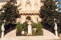 Palazzo Comunale e scalinata liberty - Piazza Umberto I  - Zafferana etnea (5579 clic)