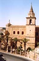 vista laterale con campanile della chiesa di santa maria latina (abbazia di s.filippo)  - Agira (4617 clic)