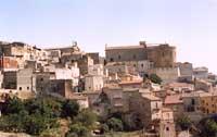 vista del quartiere ROCCE e della chiesa di San Pietro  - Agira (6704 clic)