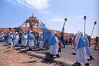Confrati delle Venerabile Compagnia Confraternita di S.Antonio Abate presso la festa di S.Sebastiano Martire.   - Cerami (12903 clic)