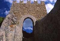 Ingresso del castello medievale costruito da Russo Rubeo verso l'anno 1132  - Sperlinga (9129 clic)