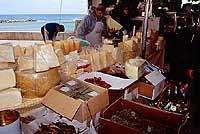 Mercato di Trapani - prodotti tipici siciliani  - Trapani (7991 clic)