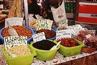 Mercato di Trapani - prodotti tipici siciliani  - Trapani (21180 clic)