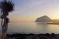 Vista su monte cofano da Lido  Valderice, all'alba  - Valderice (5443 clic)