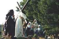 Domenica delle Palme - Via Crucis: XII° Gesù incontra le pie donne  - Buseto palizzolo (5873 clic)