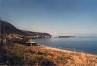 Caronia Marina (spiaggia in località Chiappe) Fulcro estivo della frazione, la contrada Chiappe si rianima grazie all'afflusso di numerosi bagnanti e all'apertura del Ritrovo Oasi, il chiosco simbolo della gioventù delle vacanze marinuote.  - Caronia (20468 clic)