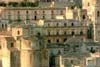 Il complesso monumentale del Centro Storico - Noto (SR) - con al centro il palazzo Alfano  - Noto (4224 clic)