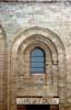 finestra e architrave della fiancata che si affaccia su piazza bellini della chiesa Martorana  - Palermo (2463 clic)