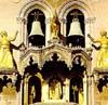 Duomo di Messina - particolare del campanile con dina e clarenza salvatrici di messina  - Messina (7900 clic)