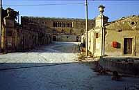 ingresso al castello di donnafugata  - Donnafugata (2909 clic)
