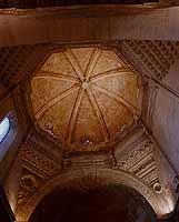 Particolare dell'abside risalente al '400 d.c. Chiesa di San Francesco all'Immacolata  COMISO Giusep
