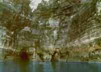 Lampedusa - grotta del faraglione -  1970  - Lampedusa (4205 clic)