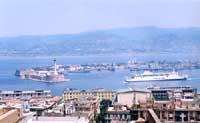 PORTO DI MESSINA, PARTICOLARE LA FORMA A FALCE  - Messina (7597 clic)