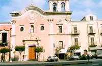 P.zza Caio Duilio - Chiesa della madonna del Carmine  - Milazzo (9665 clic)