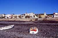 barche dei pescatori sulla spiaggia  - Roccalumera (10598 clic)