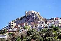 Veduta di Scaletta Superiore ed in alto il Castello  - Scaletta zanclea (11428 clic)