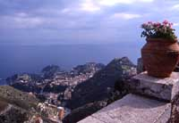 Vista su Taormina da Castelmola  - Taormina (8171 clic)