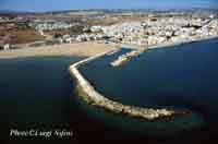 Il porto e la città di Donnalucata  - Donnalucata (20436 clic)