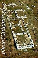 l'Anaktoron in una vista aerea  - Pantalica (3780 clic)
