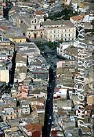 Panorama aereo di Lentini - Via Regina Margherita, Piazza Umberto, Veduta chiesa di S.Alfio  - Lentini (8704 clic)